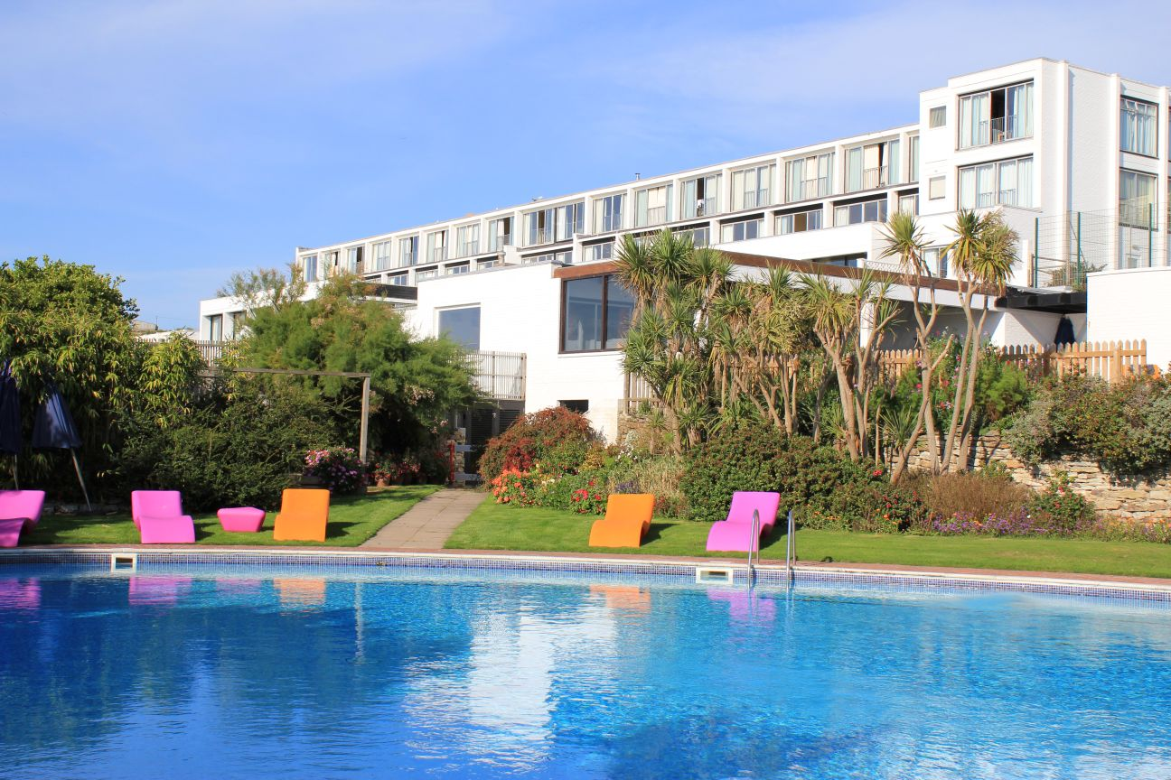 Bedruthan steps hotel in mawgan porth north cornwall - Hotels with swimming pools cornwall ...